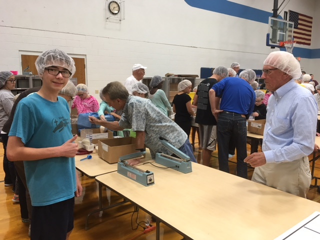 Packaging food with Food for Kidz