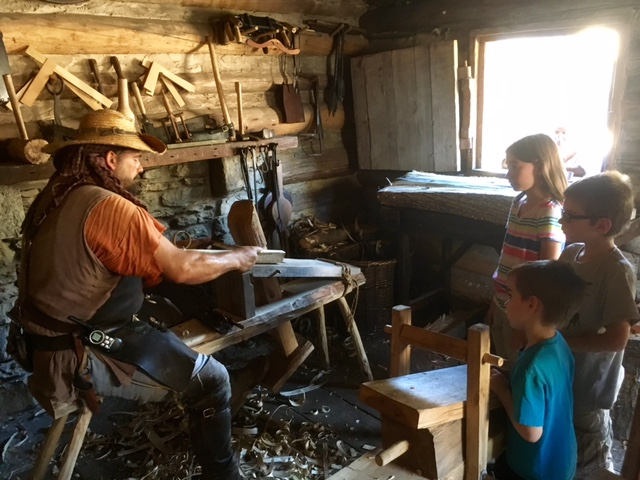 manskers-station-woodworking