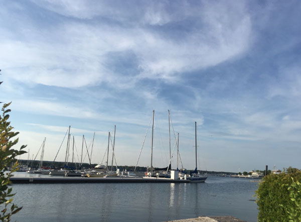 sailboats lake ontario